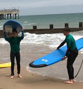 campamento de surf en bournemouth